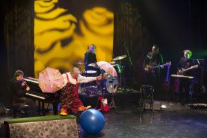 Foto's van voorstellingen Freek de Jonge met band, België