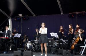 k26 Mascha JansenUn Homme et Une Femme + orkest Uitmarkt 2015
